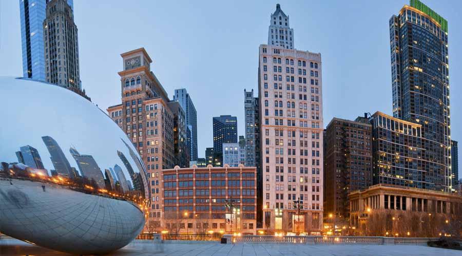 chicago - Viajó a Chicago de despedida de soltero y se quedó solo, ¡y la celebró en soledad!