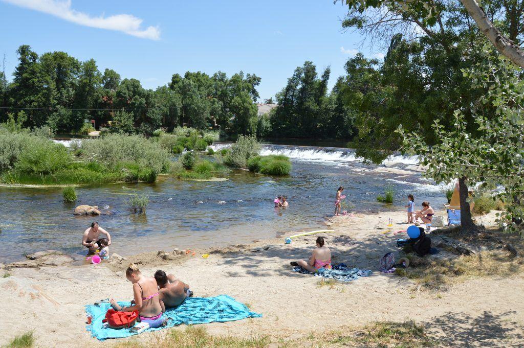 Rio playa la piscina natural de salamanca poblado medieval for Piscinas naturales salamanca